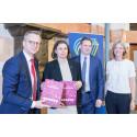 Svensk Dagligvaruhandel uppmanade Närings- och innovationsminister Damberg  att satsa på fossilfri plastråvara