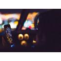 Sex av tio bilförare: Totalförbjud mobilen bakom ratten