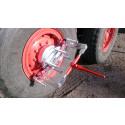 Innovativ fälgavdragare för tunga maskiner lossar hjulen på några minuter