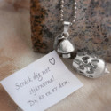 Smyckena Hjärtats mening och Kärlekspuppan – personliga smycken med unika budskap i varje smycke