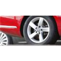 Prisnervøse Volkswagen-bilister:  Rekordmange sjekker om prisen har endret seg