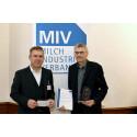 MIV zeichnet Lebensmittelchemiker aus -  Verleihung Milch-Wissenschaftlicher Innovationspreis 2018 an Herrn Prof. Henle