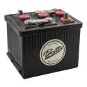 Pratts bilbatteri – kronan på verket i ett nyrenoverat motorrum