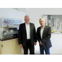 Ulrich Kelber besucht die AMONDO Zentrale und nimmt Einblick in einen Reisebüroalltag