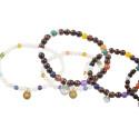 Nytt, färgstarkt samarbete: Syster P designar betydelsefulla armband till förmån för barn med svåra sjukdomar