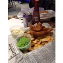 Äkta engelsk fish and chip på Hjälmarekajen i Malmö