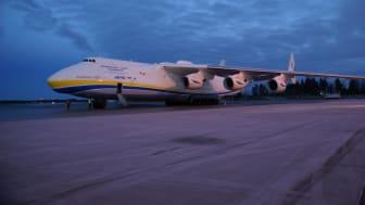 Världens största flygplan på Arlandabesök
