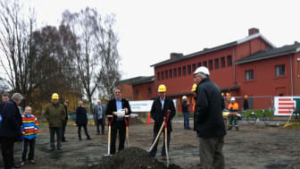 AB Bostäder i Borås - Första spadtaget för Kvarteret Solrosen!