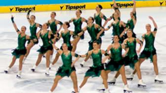 Team Surprise femma efter första dagen i VM i teamåkning