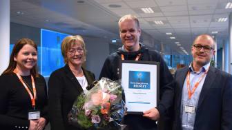 Endre Skjold mottok prisen som årets Tafjord EnergiArena-bedrift på vegne av Pharma Marine. Her sammen med (fv.) leder av Tafjord EnergiArena, Camilla Blom, jurymedlem Annik Magerholm Fet fra NTNU og juryleder Pål Bakke fra NHO Møre og Romsdal.