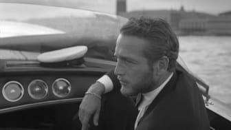 Klassisk manlig elegans på sjön signerad stilikonen Paul Newman. En av förebilderna i Hallwylska museets utställning Elegansen lever.