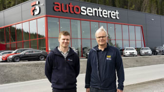 Her hos Autosenteret i Trøndelag har ABS Teknikk AS montert 400 m2 Climaver® ventilasjonskanal. Fra venstre: Mathias Andersen i ABS Teknikk AS og Kai Håkon Dahl i GLAVA®.