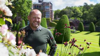 John Taylor är ny slottsträdgårdsmästare på Tjolöholms Slott. Foto: Thomas Carlén, Tjolöholms Slott.