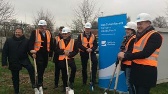 Spatenstich zum Glasfaser-Ausbau in Kempen