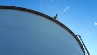 Kiwas inspeksjon av svovelsyretanken til Acinor spiller en vesentlig rolle i arbeidet med vedlikehold og sikker drift.