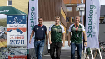F.v.: Ivar Holand (Reistadløpet), Trond Gunnar Skillingstad og Tom Rune Eliseussen (Statskog)