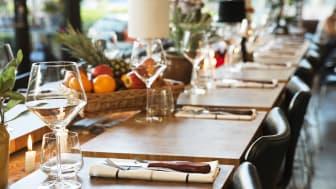 American Table Brasserie and Bar avslutar på topp med ett fullspäckad schema i restaurangen.