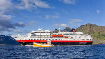 Hurtigruten må redusere rutetrafikken langs norskekysten og permitterer nye 2600 ansatte på grunn av corona-restriksjoner. Foto: Agurtxane Concellon / Hurtigruten