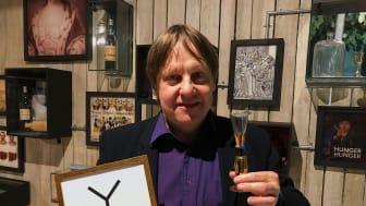 Årets Svenska Mästare i nyskrivna snapsvisor 2020 är Hasse Nilsson från Växjö.