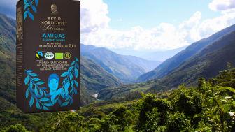 Kaffebönorna i AMIGAS, som är både ekologiska och Fairtrade-certifierade, kommer från peruanska farmer som drivs av kvinnor.
