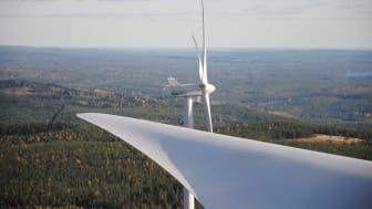 Frågan om vindkraftens utbyggnad i Dalarna väcker starka känslor. Bild från Tavelberget, Falu kommun. Foto: DalaVind AB