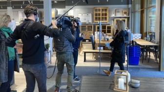 Dreharbeiten zu einem TV-Beitrag über die Möbelhäuser-Studie für n-tv