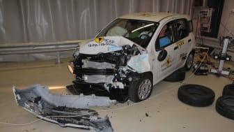 FIAT Panda frontal offset impact test - after impact Dec 2018