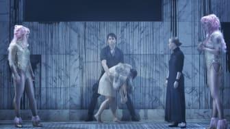 Jesper Säll i rollen som Alfredo i La Traviata på Folkoperan 2015. Foto: Markus Gårder