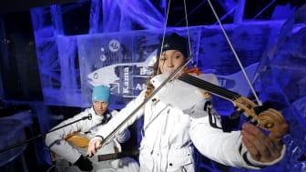 Världsunika isinstrument från Luleå visas upp på isbar i London