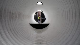 I våras installerades bland annat denna intagstank för havsvatten till Öresundskrafts nya produktionsanläggning för fjärrkyla.  Den 19 september visas anläggningen för kunder, fastighetsägare och byggherrar. Foto: Öresundskraft.