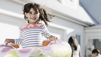Dodge distractions and stay safe on the road this Easter