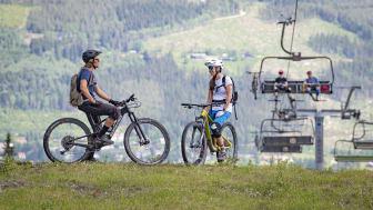 SkiStar satser på en aktiv sommer: Nå åpner heisen, og sommertilbudet hos Norges største sykkeldestinasjon Trysil