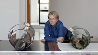 Laura de Santillanas konst visas för första gången i Sverige på Galleri Glas
