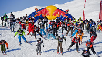 SkiStar Åre: First one down Mt Åreskutan in a spectacular mass downhill race