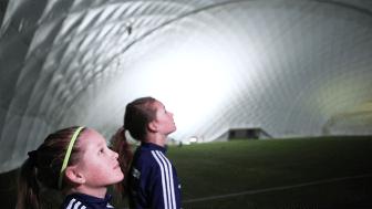 I drygt 30 år har Umeå drömt om ett fotbollstält – nu är det på plats