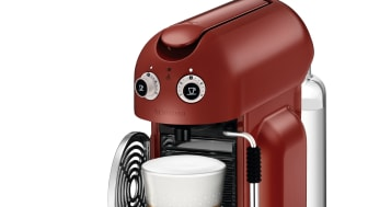 Maestria Röd med latte och förpackning