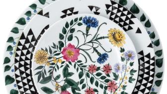 R_Magic_Garden_Foliage_BlackSeeds_Blossom_Teller-Set