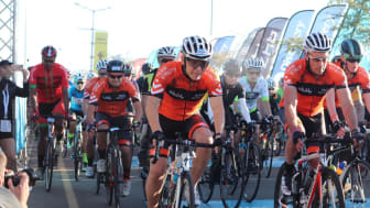 Participants at the start of the Discovery 947 Ride Joburg