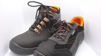 Arbetsskorna Franklin och Tesla är 20 kV isolerande från Giasco Safety Shoes