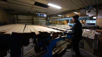 Sedan någon månad tillbaka är sågverket i Kalix åter igång och för leveransen av värmen står nu Solör Bioenergi. Fotograf: STARK fotografi & design