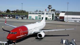 Norwegians Boeing 737-800 ved TORP Sandefjord Lufthavn