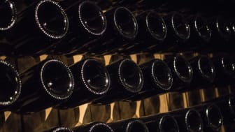Esslingen: Sparkling wine bottles in the cellar © DZT/Carolina Hubelnig