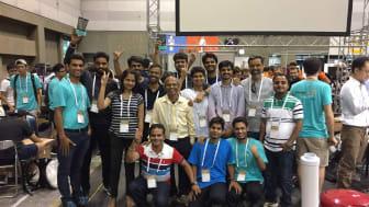 TCS stillede med et hold af egne forskere og Indian Institute of Technology i Kanpur med team-navnet IITK-TCS.