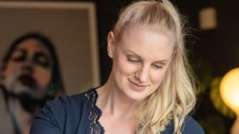Sagaform vill få fler att samlas kring fredagsfikat tillsammans med Frida Bornholt