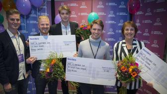 Vinnare av Demo Day blev Flow Below, i mitten grundaren Fredrid Sahl. Till vänster tvåan Brawl Gaming med Martin Willman, Emil Ottosson och Jonas Gustafson. Till höger tävlingens trea, Peak Cycle Training med Lisbeth Wikström-Frisén.