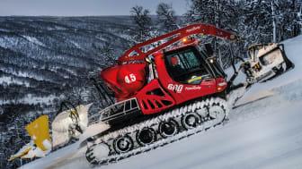 Fantastiska snöförhållanden i pist och terräng ger fin försäsongsåkning. Ramundbergets nya Pistenbully har bra material att jobba med. Fotograf: Rickard Bergstedt.