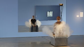 Jeppe Hein, Smoking Bench (Rykande bänk), 2002.
