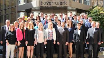 Presseinformation: Fundament für die berufliche Zukunft gelegt - Bayernwerk ehrt Auszubildende aus Oberfranken für ihren erfolgreichen Abschluss