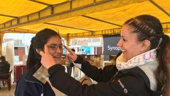 Nio miljoner glasögon i svenska byrålådor: Sju av tio har överblivna glasögon hemma – kan hjälpa behövande i tredje världen till ett liv utan synfel