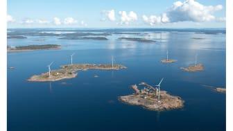 Orkla pienentää ilmastovaikutustaan – Taffelin ja Oolannin tehtaalla siirrytään tuulivoimalla tuotettuun sähköön